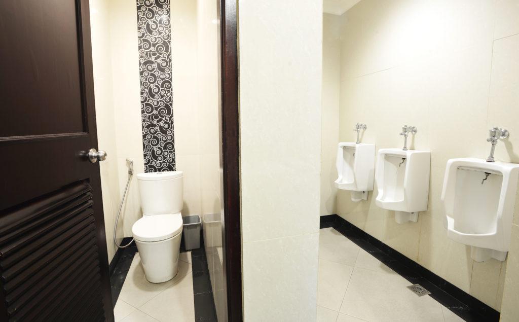 toilet ballroom 1